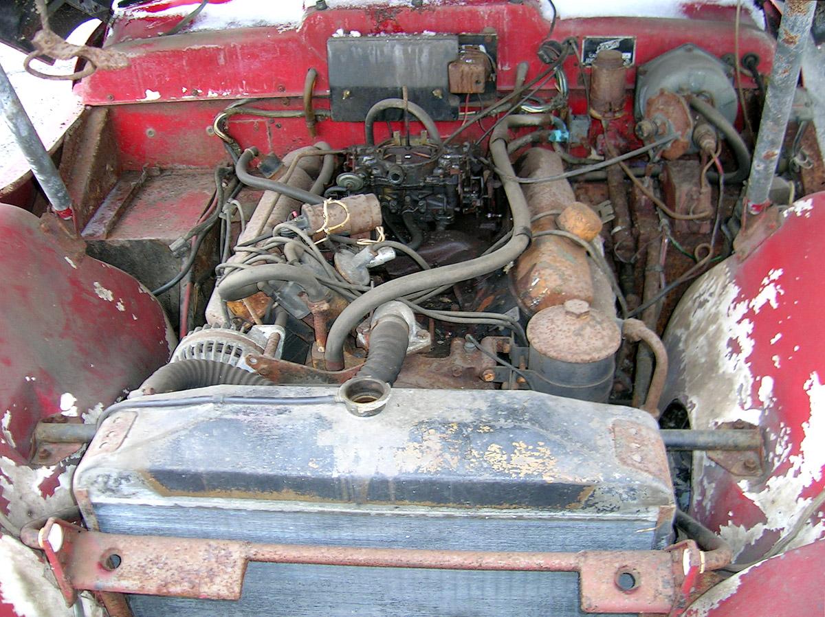 Jensen CV8 Engine-Bays