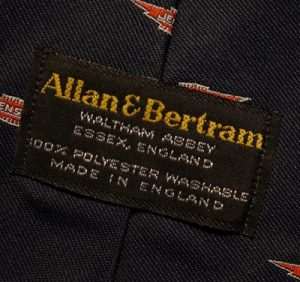 Manufacturer's label on the first style Jensen tie.