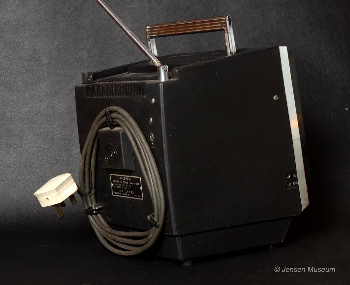Jensen Interceptor | Director Model Office Equipment