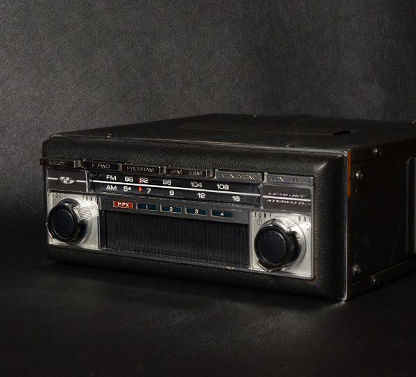 LEARJET A-250 '8' TRACK-RADIO